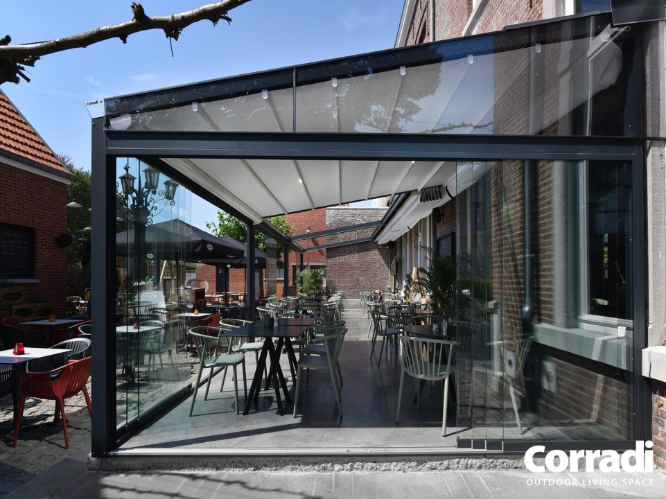 Retractable Cafe Awnings