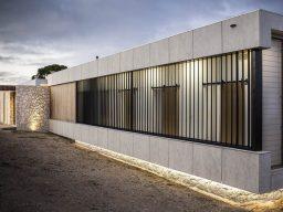 Motorised vertical louvre panels