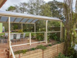 Curved Steel Pergola in Coromandel Valley