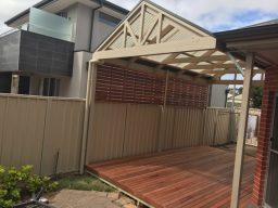 Timber pergola built by adelaide pergola builder in Renown Park
